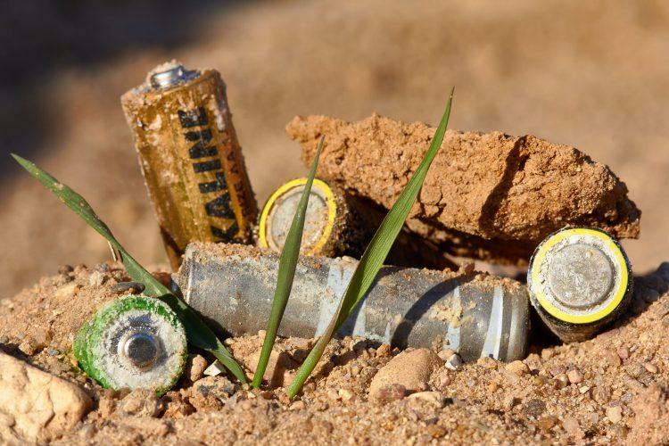 Batterijen zwerven op straat