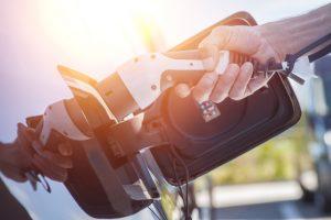 Zo veel elektrische auto's rijden rond in Nederland