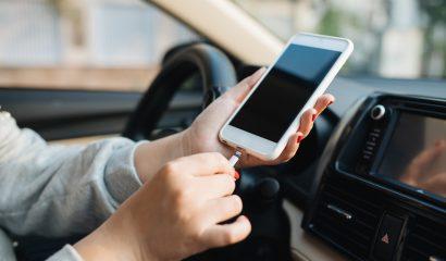 De do's en don'ts voor het opladen van je smartphone in de auto